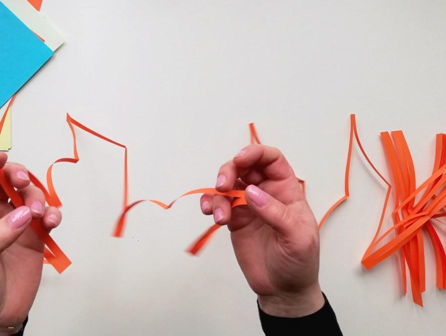 Łańcuchy z papieru - dekoracja i eksperyment dla dzieci