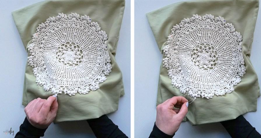 Dekoracyjna poduszka z szydełkową serwetką - diy