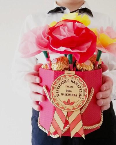 kwiaty dla nauczyciela. Flower box od ucznia