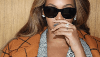 Beyonce Wears Gray Lipstick on Instagram and Here's How to Get the Look
