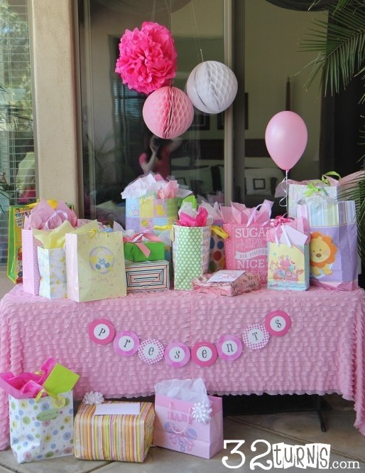 Homemade Baby Shower Table Decorations