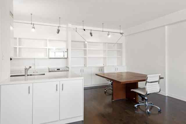 Redone Modern Unit with Views in Full Service Hollywood ...