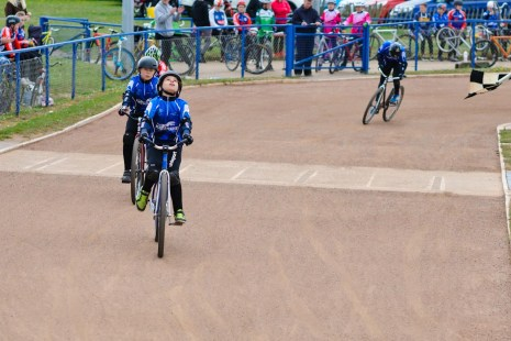 Noah Woodhouse, crossing the line in the U10 A final