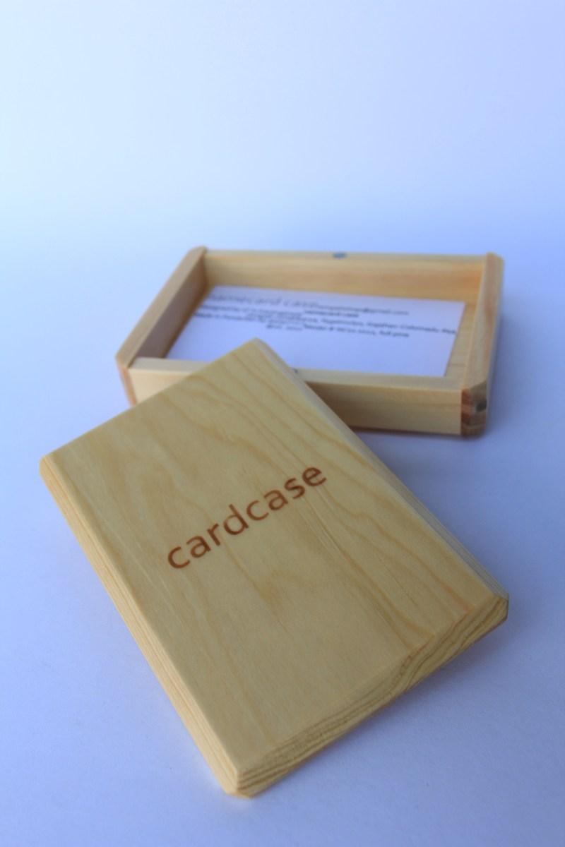 Kotak Kayu yang Sederhana  332lab