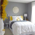33 Ideas For Small Apartment Bedroom (4)