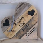 33 Best DIY Wood Hearts Ideas (22)