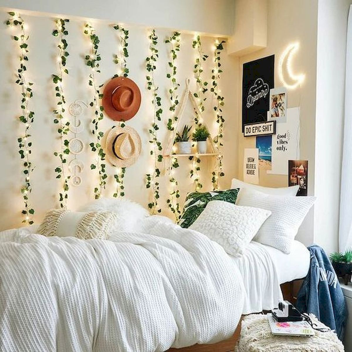 33 Awesome Aesthetic Bedroom Decor Ideas (23)