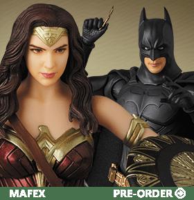 MAFEX BATMAN AND WONDER WOMAN FIGURES