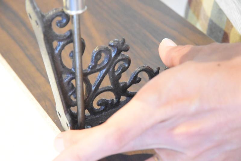 シェルフDIY_テレビの上の飾り棚の作り方