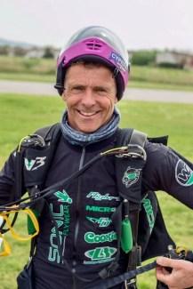 Pete Allum skydiver