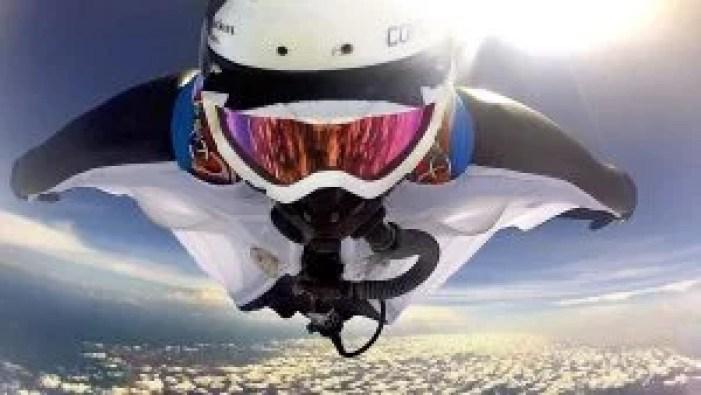 Wingsuit Halo skydive