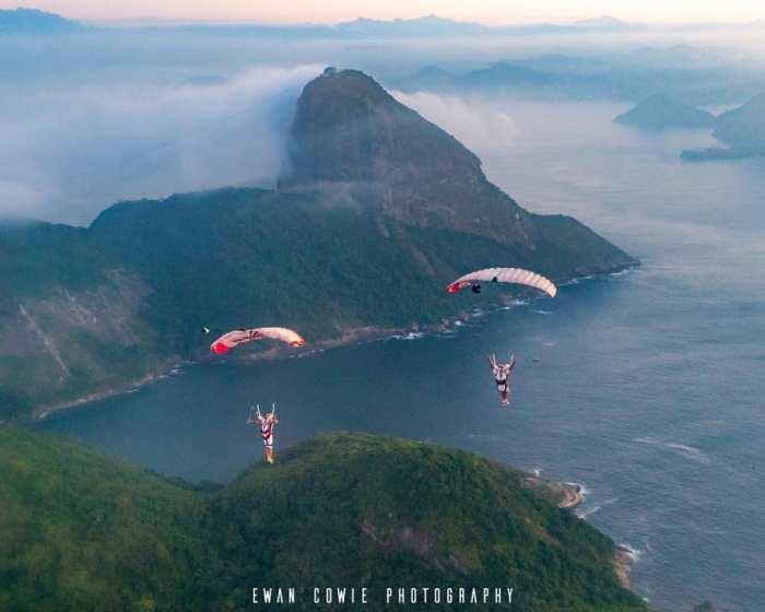 sugar loaf skydiving photo parachutes