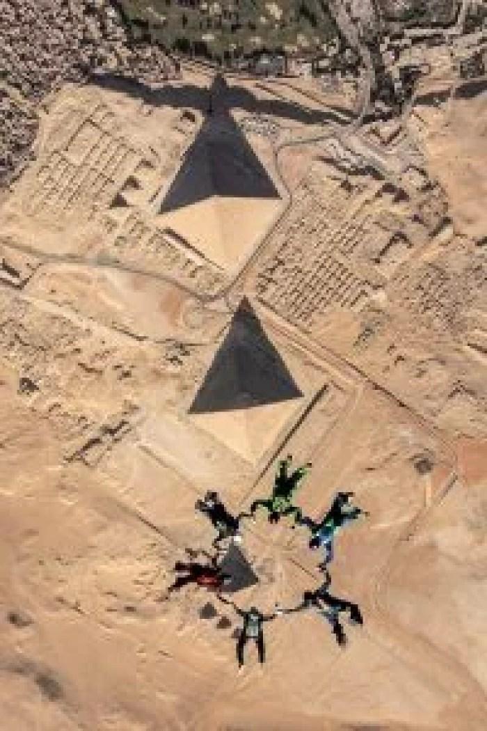 Skydive Egypt jump over Pyramids