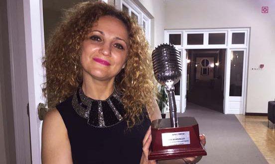 MarBordallo premios007 0 552x330 - Entrevista a Mar Bordallo, actriz de doblaje de Lana Lang en «Smallville» y Lois Lane en el DCEU