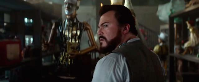La cinta fantástica La Casa del Reloj en la Pared debuta con muy buenas cifras mientras Predator se desvanece y sale del TOP 3. La Monja supera los 100 millones y Un Pequeño Favor sorprende en su segundo fin de semana