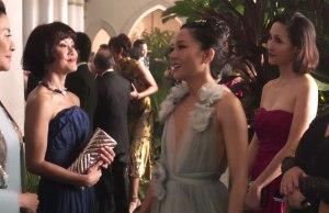 La comedia Crazy Rich Asians logra su tercer número uno consecutivo mientras Searching logra buenas cifras en su estreno en poco más de 1.000 cines. Kin fracasa y Misión Imposible se hace grande en China