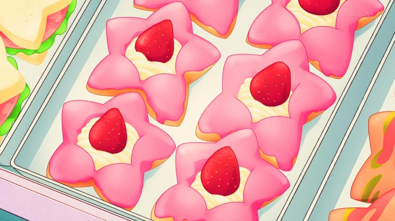 fuckyeahanimefood:Juri chooses a cream and berry star donut, Aikatsu!, Episode 109.
