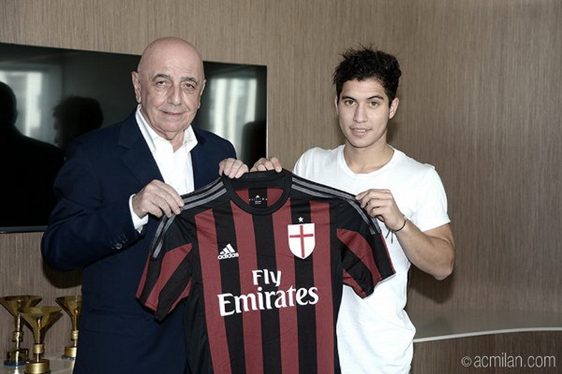 José Mauri no quiere dejar el MilanEl centrocampista italiano se unió a Milán y en el verano un contrato de cuatro años con el club.