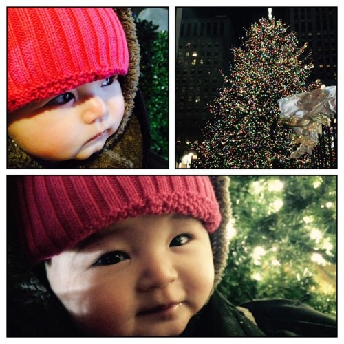 First time seeing the tree at Rockefeller… Just as exciting for Emma: the flashing lights of the nearby hot dog vendor. (at Rockefeller Center Christmas Tree)