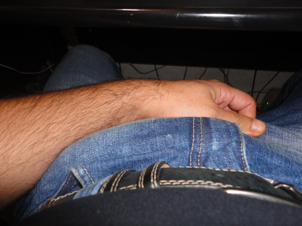 pau duro no jeans gay big cock