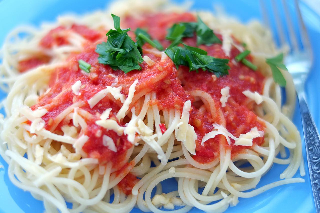 Рецепт приготовления спагетти с томатным чесночно-имбирным соусом. Кулинарный блог Кухарики. Краснодар