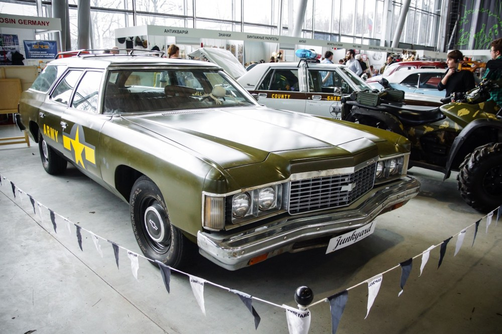 medium resolution of  impala wagons and 235 horsepower 454 turbo jet v8 in california a 155 horsepower 350 v 8 with four barrel carburetor was standard and the only