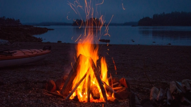 How to Build a Campfire - Fishing & Camping
