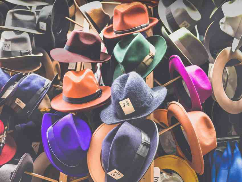 multi-coloured-hats-reflecting-different-industry-sevtors