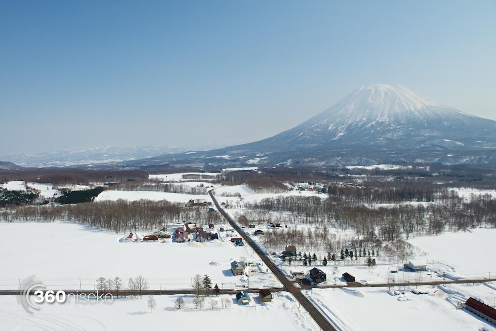 Niseko-motor-paragliding-5