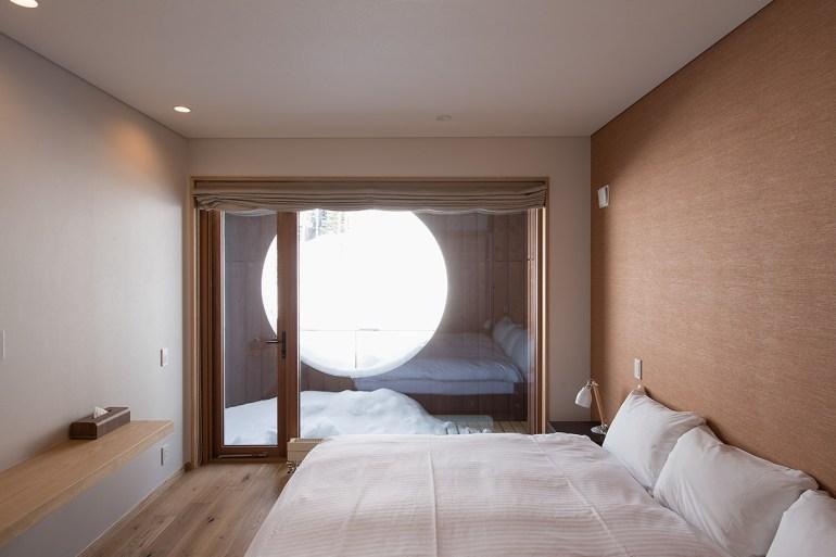 kazahana-chalet-niseko-hirafu-bedroom5