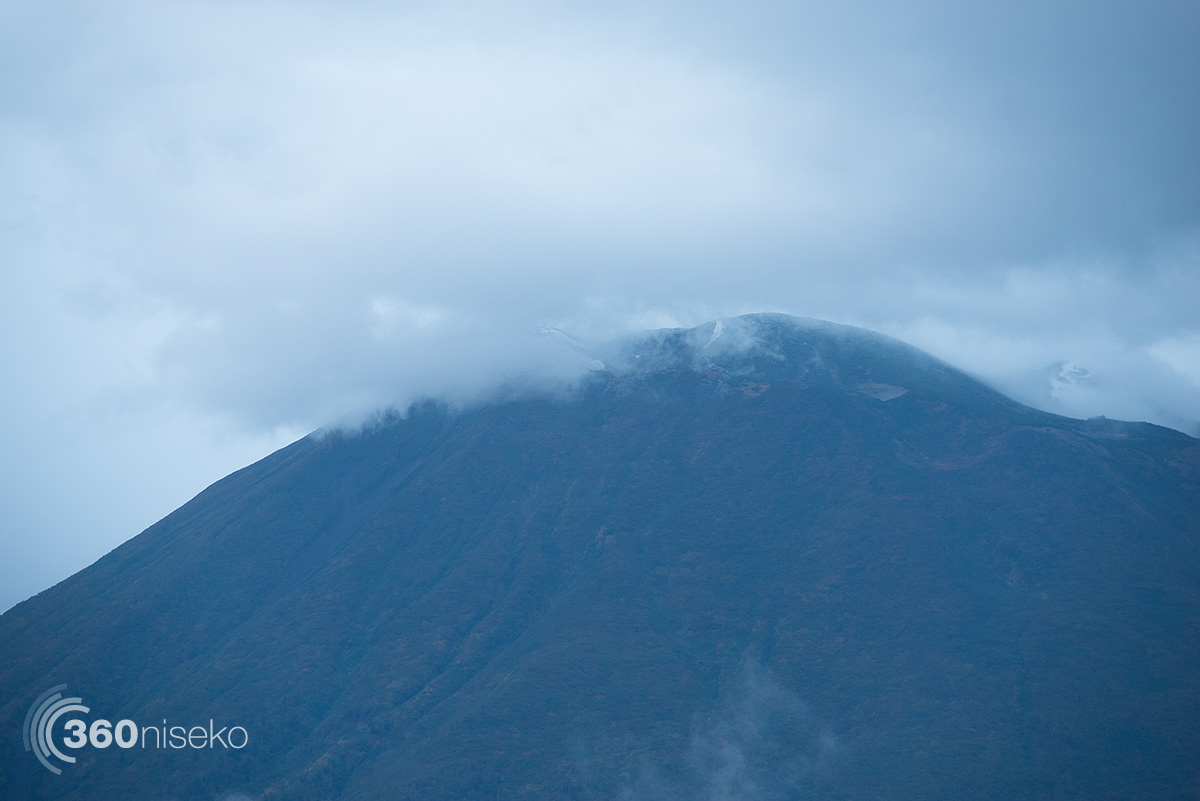 A light dusting on the top of Mt.Yotei, 18 September 2014