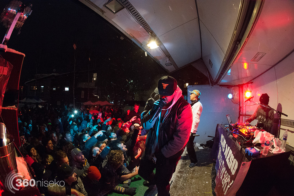 Bliss n Eso sending the crowd into a frenzy, 2 February 2015