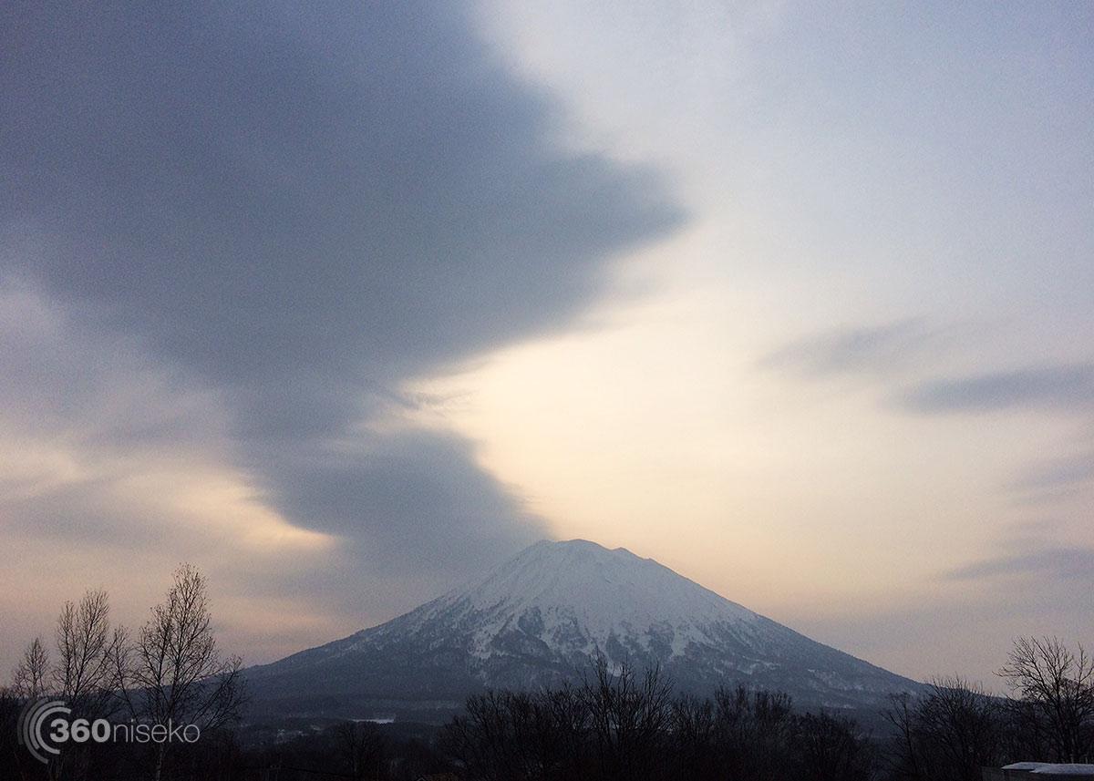 Hirafu Sunrise, 31 March 2015