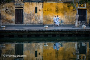 Hoi An Old Town Monks (Hoi An Photo Tour — A Journey Through Vietnam's Most Picturesque Town)