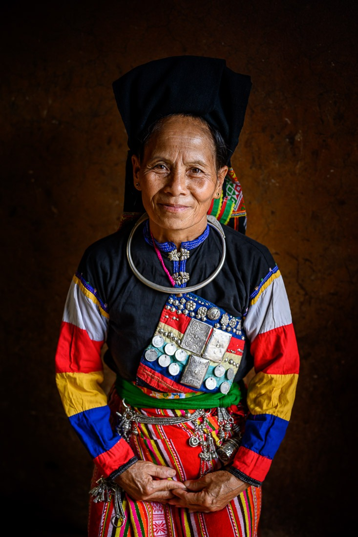 Cong Ethnic Group Vietnam Be