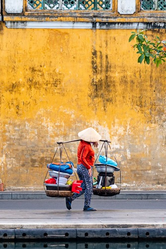 Don Ganh Hoi An Yellow Wall Reflection
