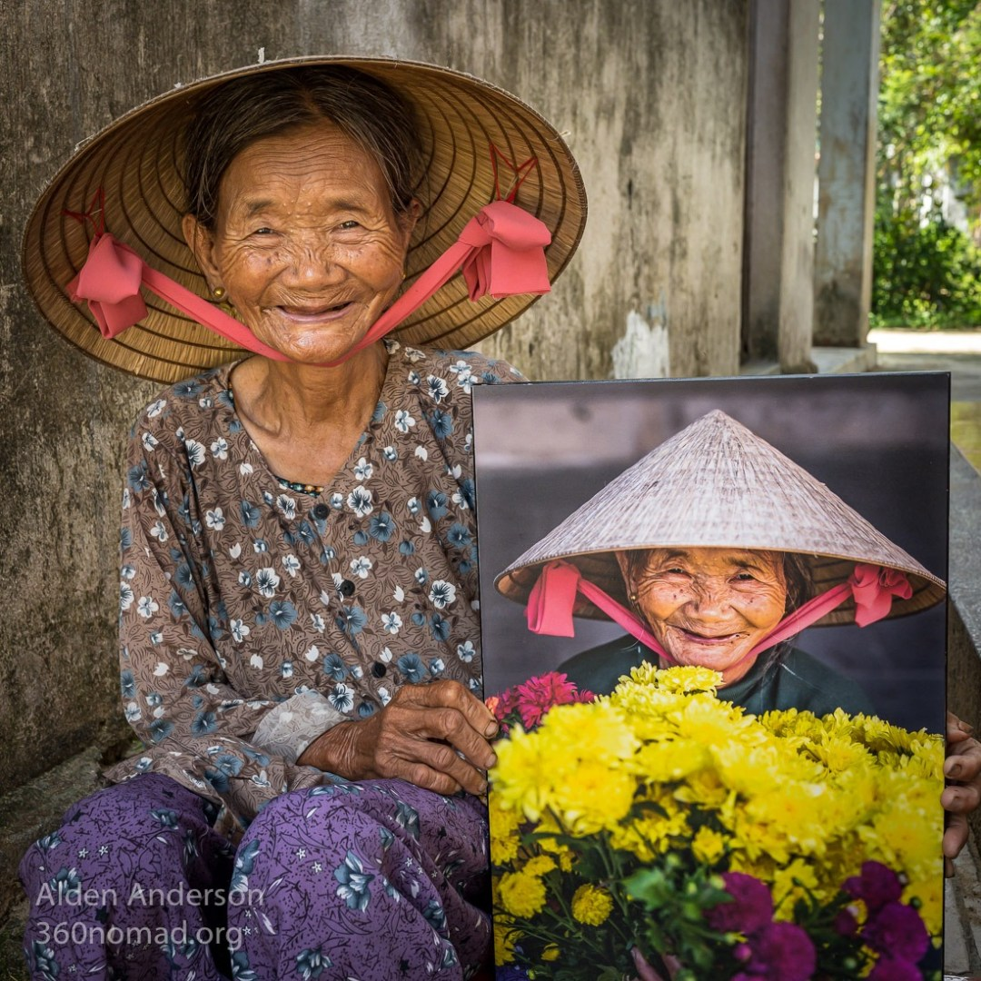 Huyen with Photo, Hoi An, Vietnam