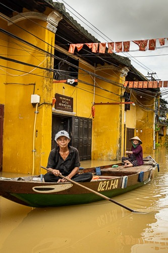 Nam, Flood Hoi An,