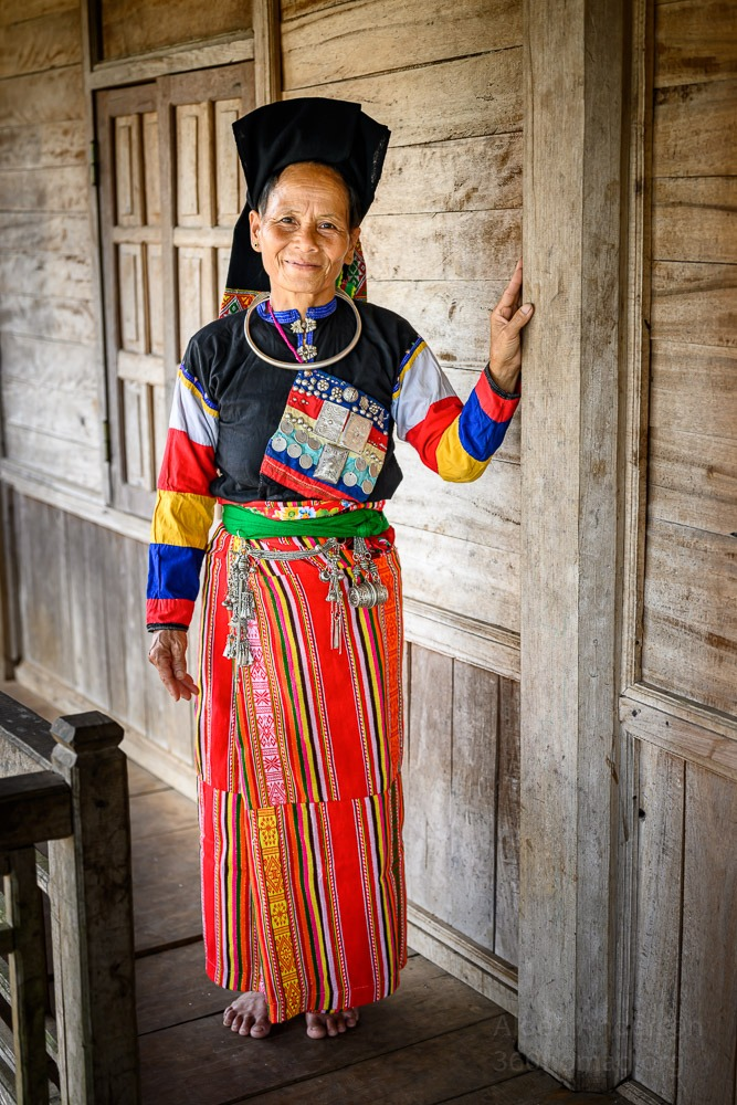 Cong Ethnic Group Vietnam Full traditional clothing