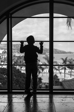 Intentional underexposure to create a silhouette (Sony RX1)