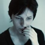 人はなぜ不安になるのか?不安の根本的原因とその解決方法
