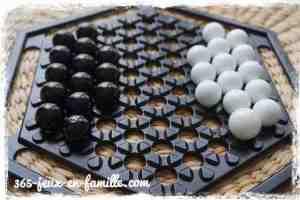 Abalone un jeu de stratégie pour 2 joueurs