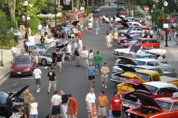 Summer Antique Car Show Returns to Barrington, Illinois