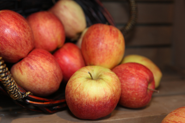 Honeycrisp Apples at Heinen's in Barrington - Photographed by Julie Linnekin