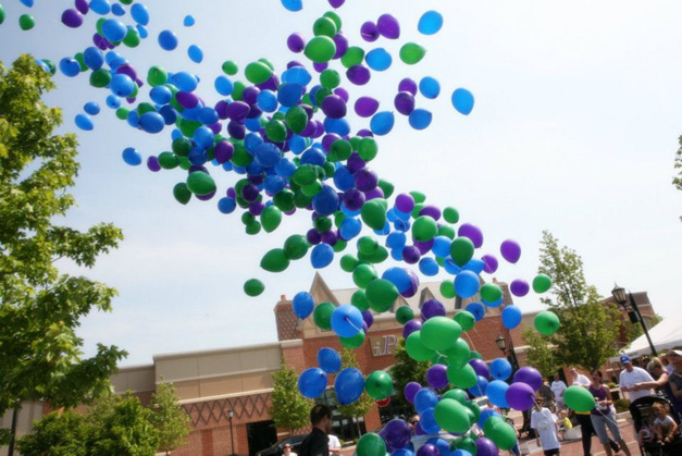 Wellness Place Balloon Release - Photo Courtesy of Facebook.com/WellnessPlaceCancerSupport