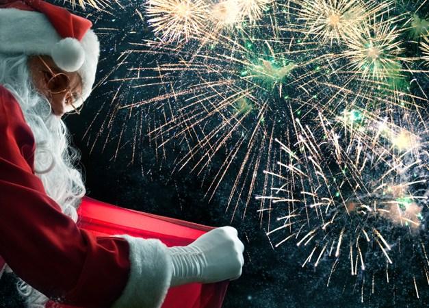 289. Santa Returns to Deer Park Town Center with Fireworks