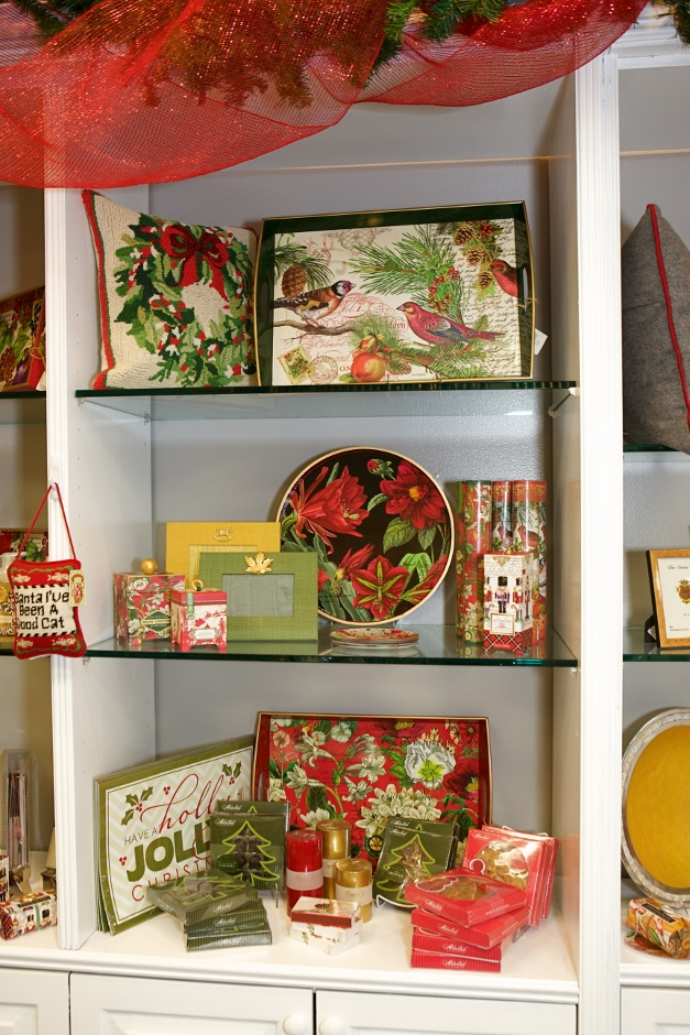Holiday charm at Little Shop of Papers - Photographed by Julie Linnekin