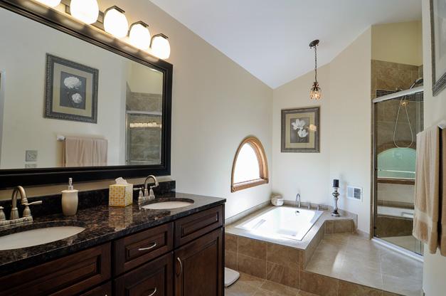 Post - 5135 Tamarack - 9 - Master Bath