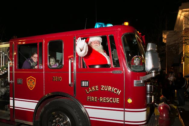 Santa Returns to Deer Park Town Center at 6 p.m. on Friday November 7th, 2014