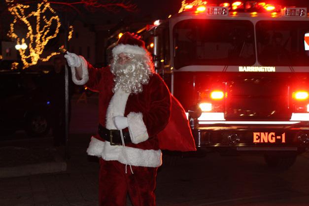 Crowds Greet Santa During his Annual Return to Barrington - Photo by Gus Goetze